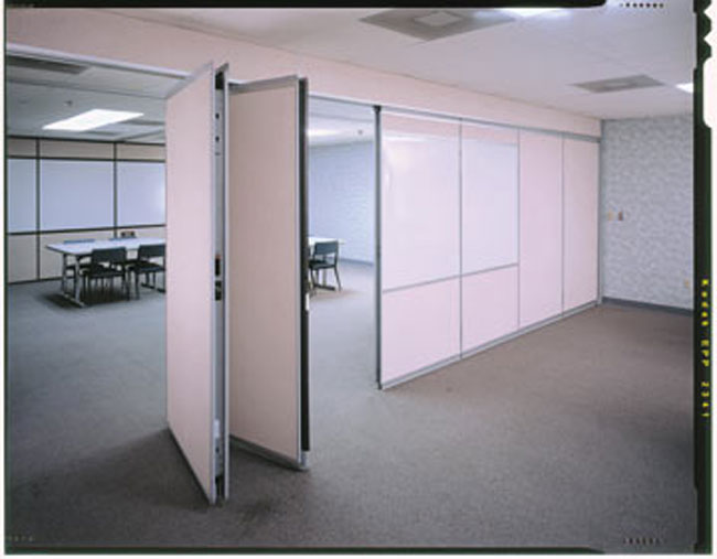 Operable Wall Conference Room ... : operable doors - pezcame.com